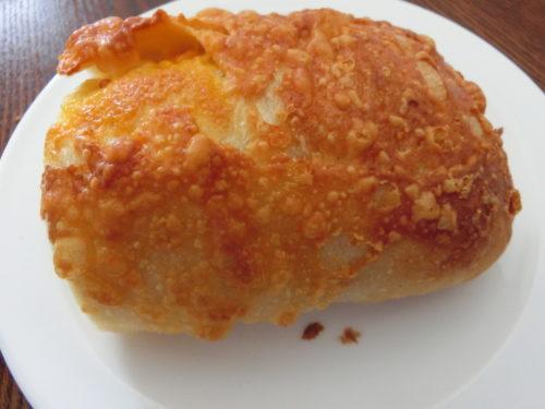 kneadチーズパン