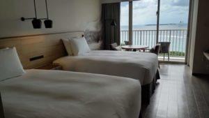 ヒルトン瀬底リゾート部屋ベッド