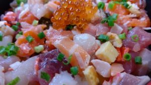 魚屋直営食堂魚まる海鮮丼2