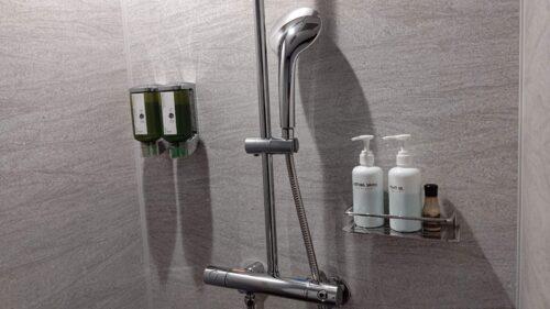 シャワーブース2