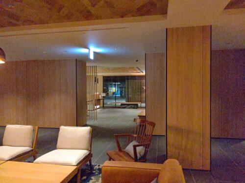 フェアフィールド・バイ・マリオット・京都京丹波共用スペースからフロント